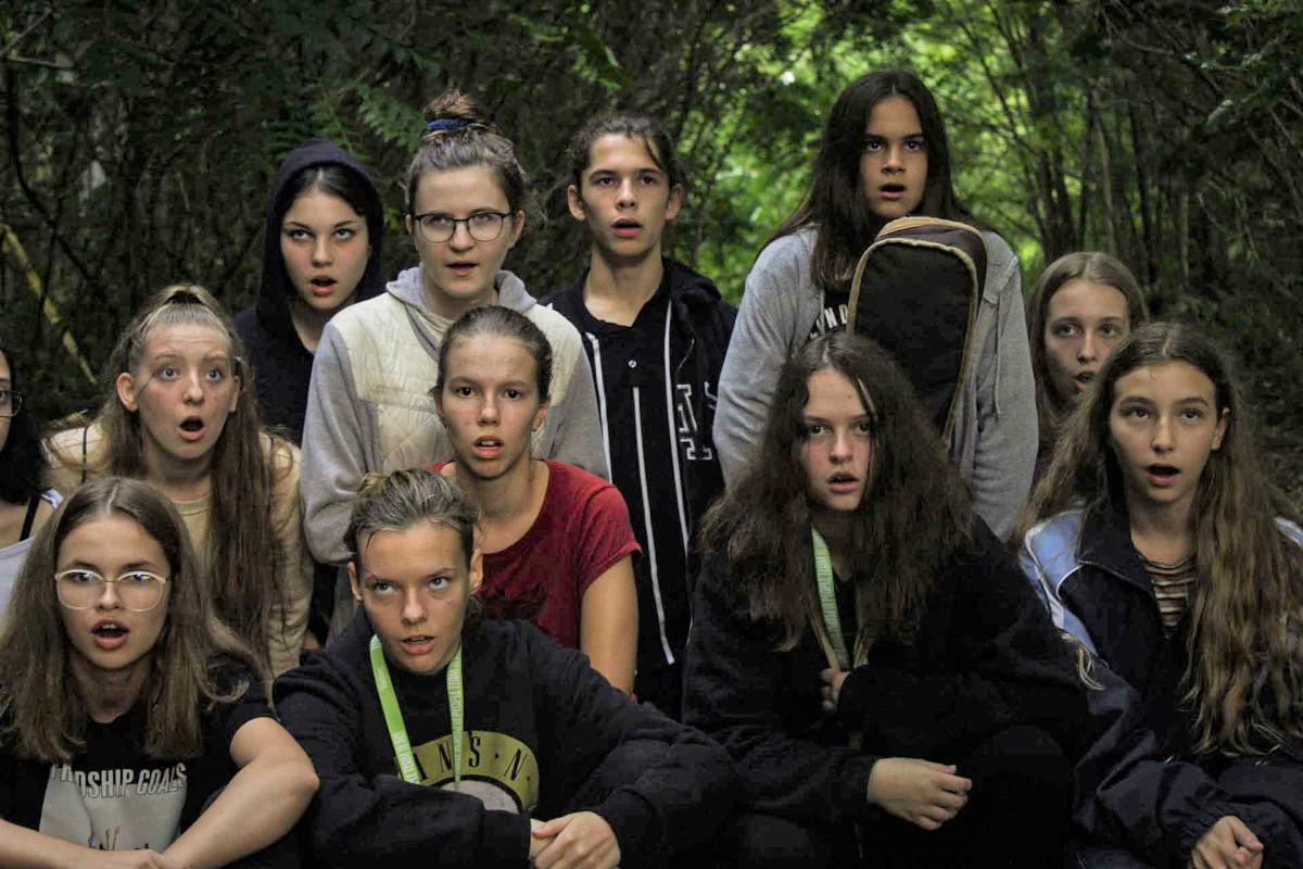 PEOPLE TEAM-es színészek a tábor végi előadásban